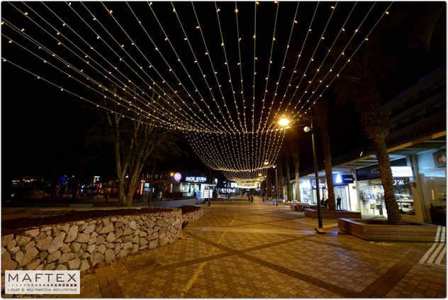 EILAT-STREET LIGHTING DECORATIONS