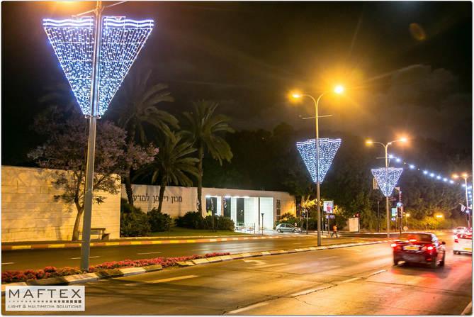 רחובות קישוטי תאורה