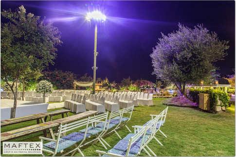 תאורה לשטח בגן אירועים