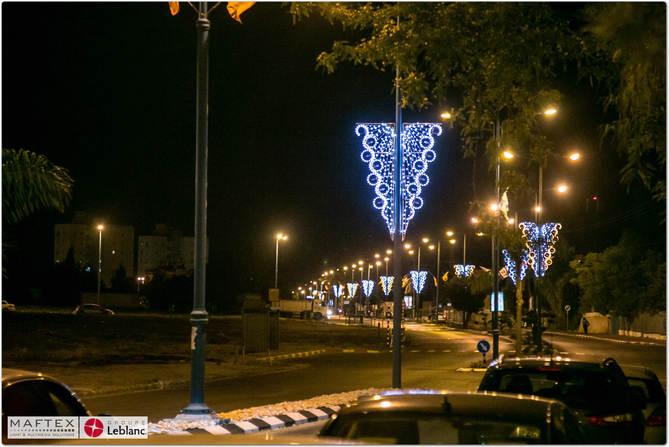 תאורה חגיגית לרחובות