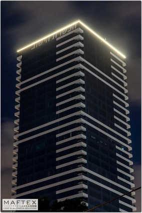 תאורה לבניין.jpg