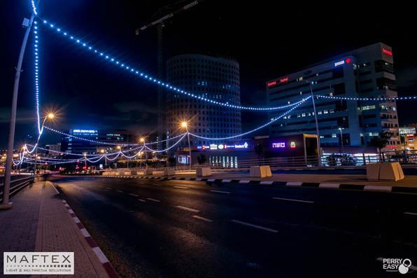 תאורה לגשר ברחובות