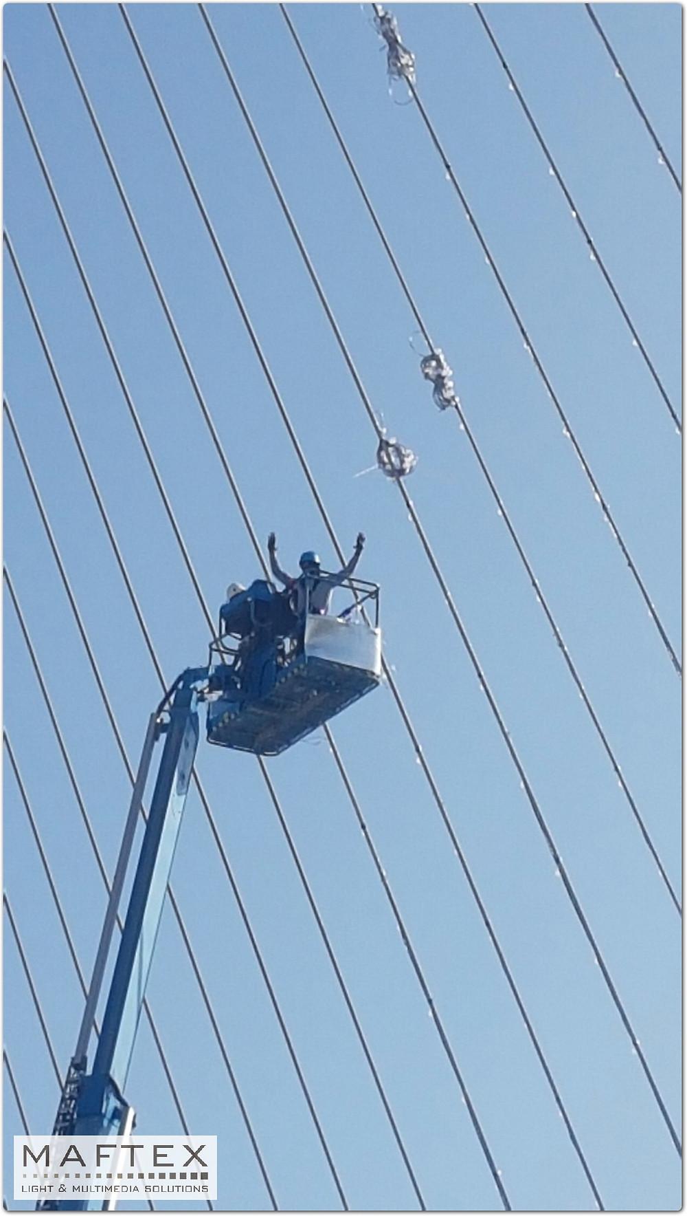 ביצוע הפרוייקט של תאורה לגשר בירושלים