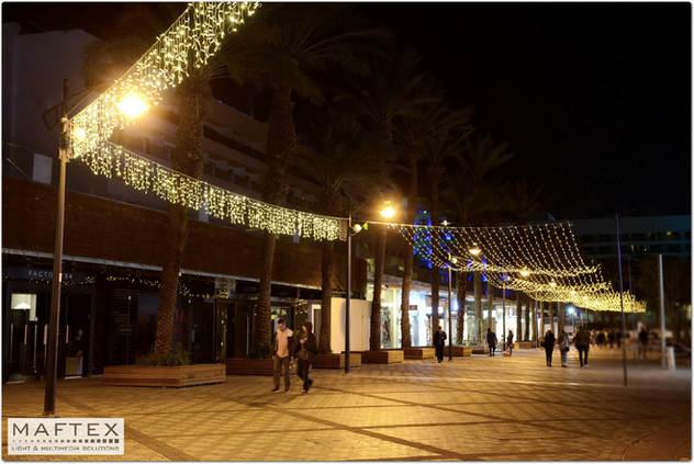 קישוט רחוב עם תאורה באילת
