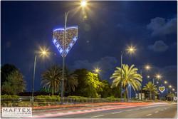 קישוטי תאורה לעיר.jpg