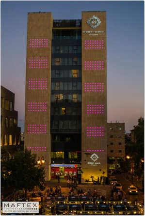 תאורה חוץ למלון