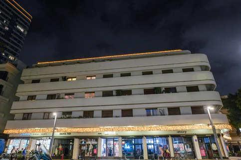 קישוט-תאורה-חיצוני-לבניין-(2).jpg