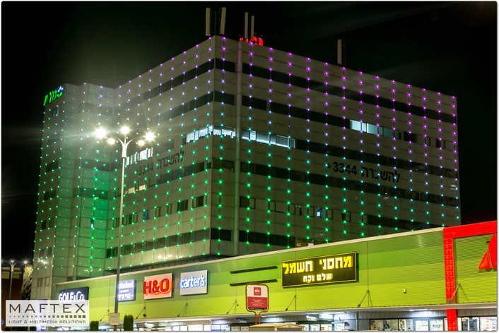 תאורה מיוחדת לקניון