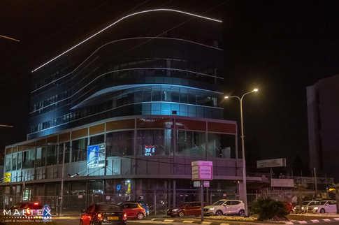 תאורה מבנה - תאורת כותר (3).jpg