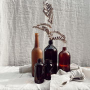 Assorted amber vases/jars