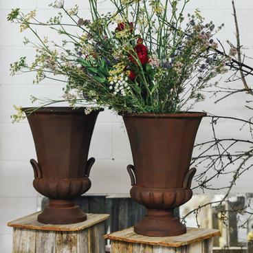 Brushed iron urns