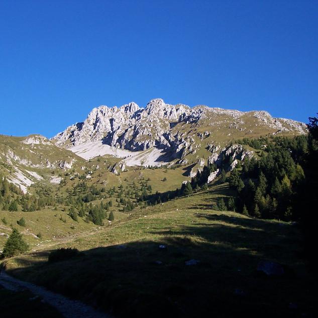 1 Val Moren dall_omonima malga.JPG