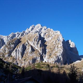 4 Pizzo Camino dal rifugio Laeng.JPG