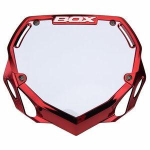 Box nummerbord red chroom.jpg