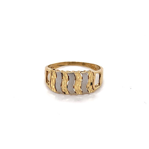 Patterned White and Yellow Gold Ring