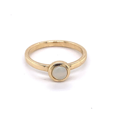 9ct Gold Opal Rubover Ring