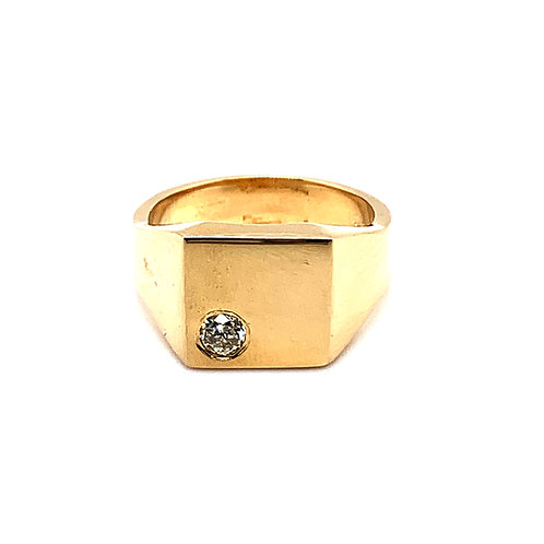 Men's 9ct Gold Square Head Signet Ring with Diamond