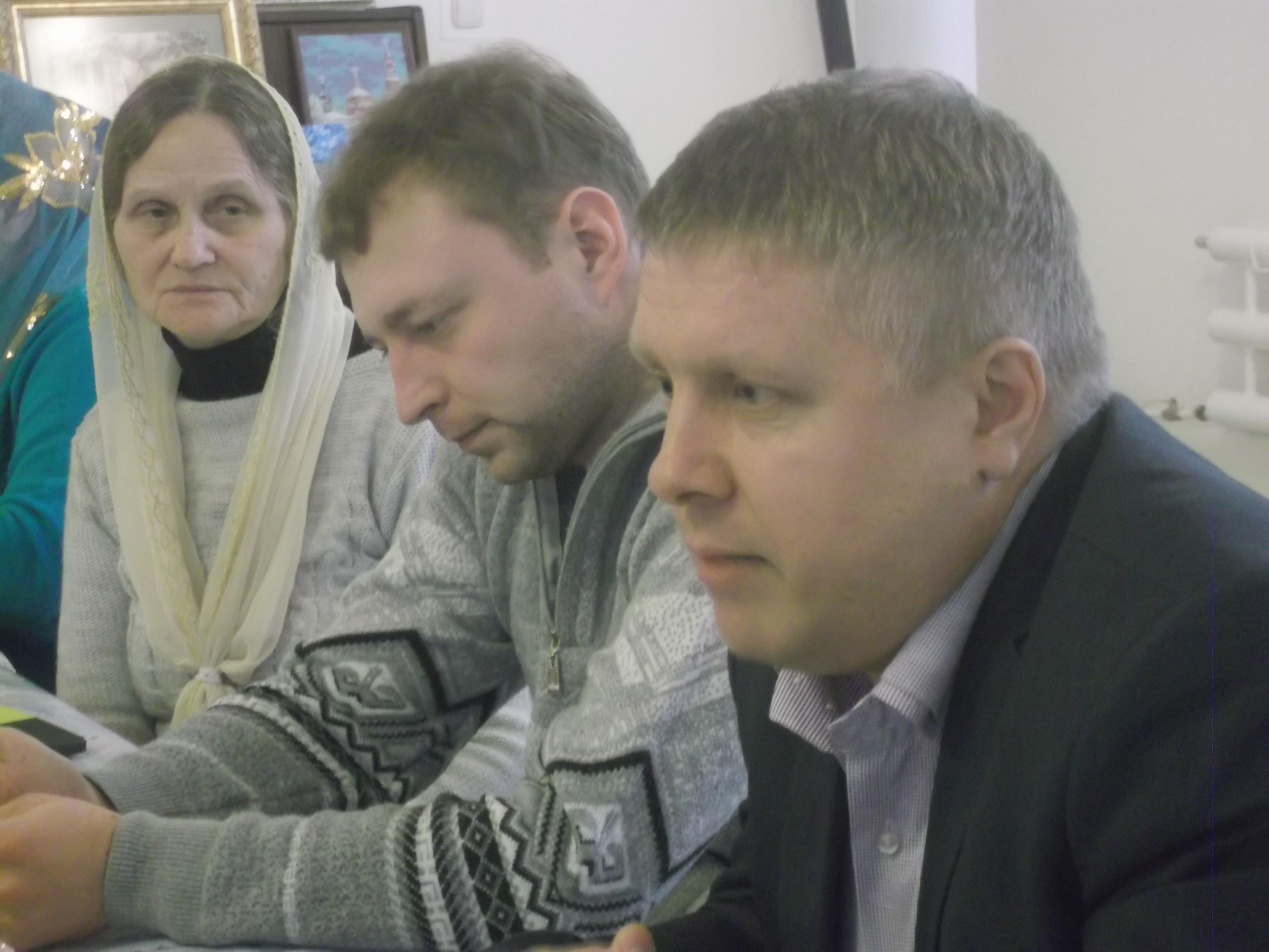 1.автор повести Имя -Сергей Сычёв