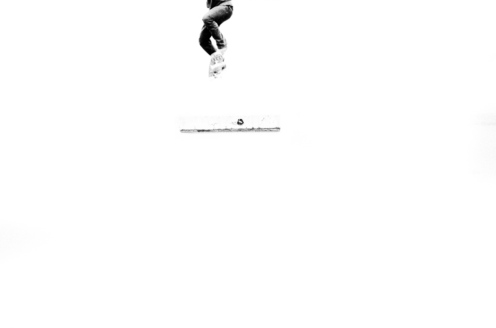 Skate white