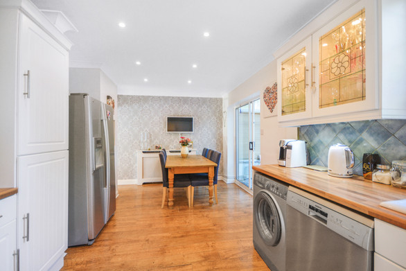 PROPERTY PHOTOGRAPHY AND 2D FLOOR PLAN FOR A PROPERTY BASED IN WD6