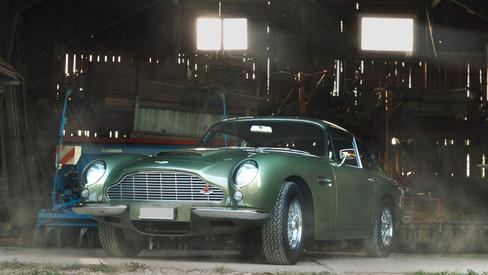 WEB_SIZE2_Aston'sMartin2.jpg