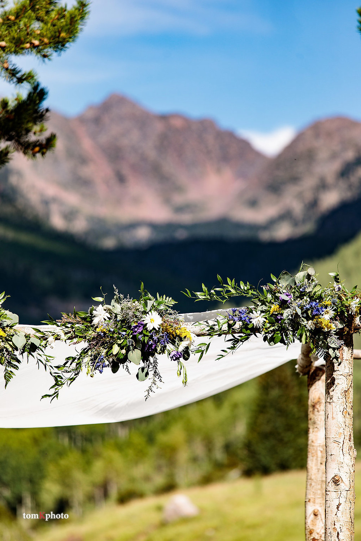 Vail Wedding Planner - Vail Wedding Arbor