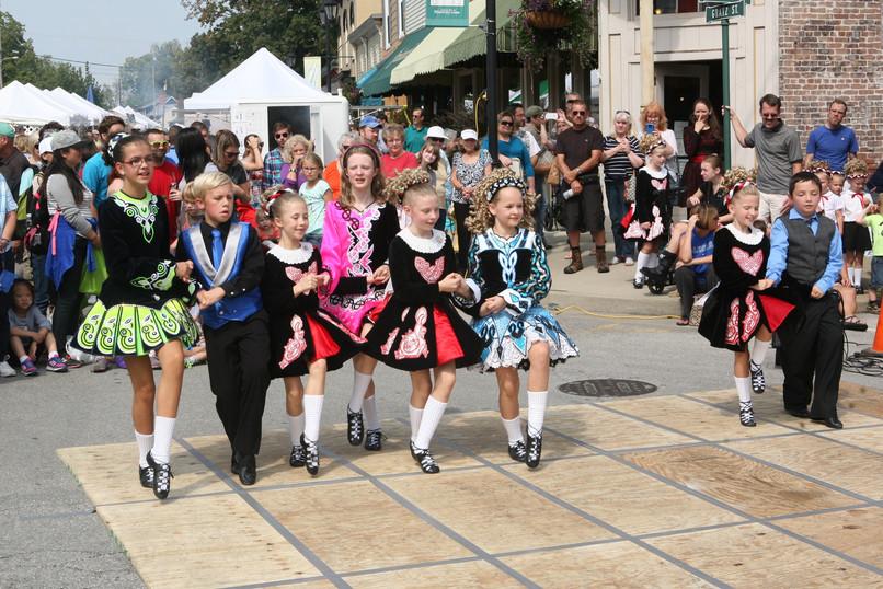 Irish dancers.JPG
