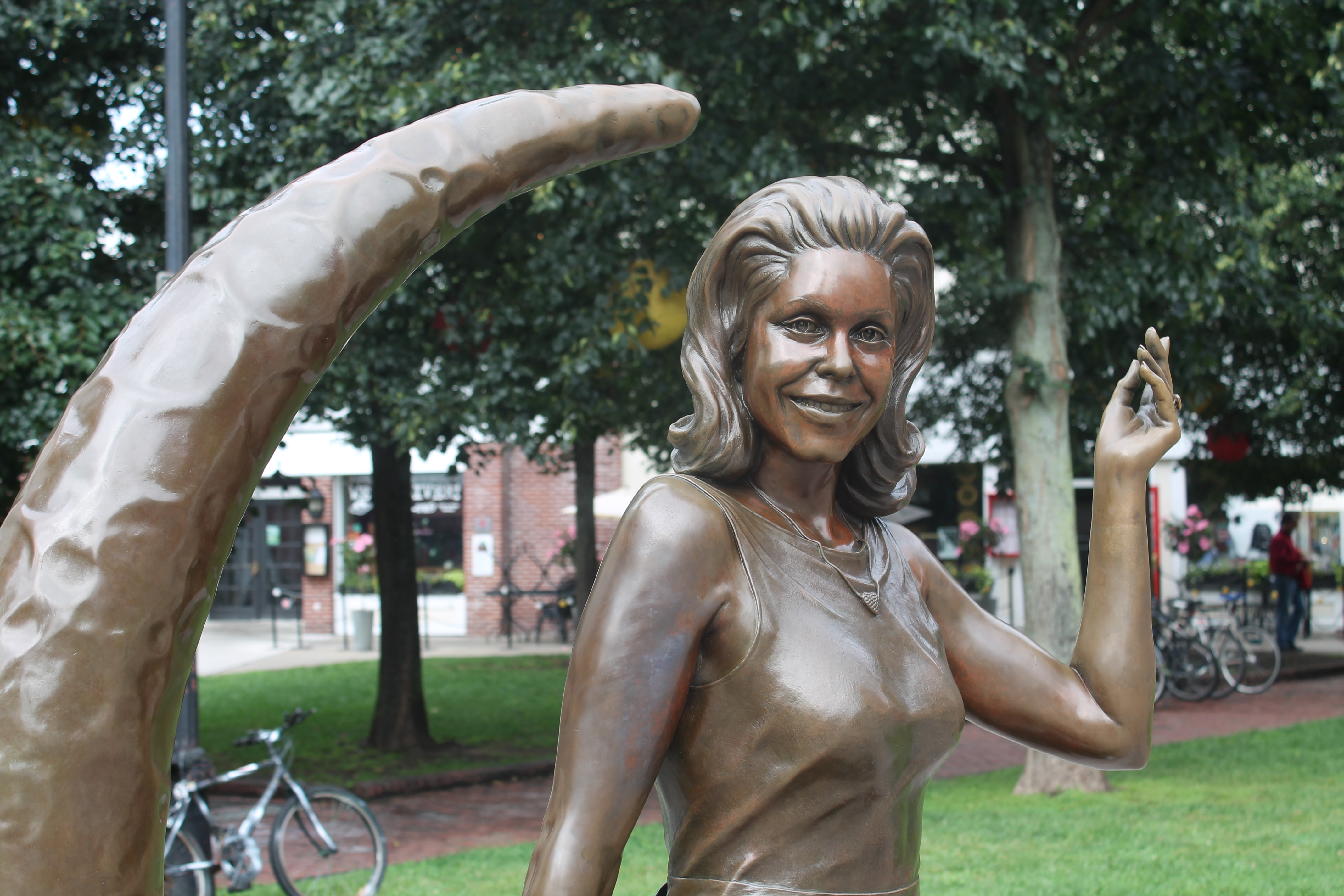 TV Land Paid $75,000 for the Statue