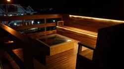 Deck com vista e lareira de chão