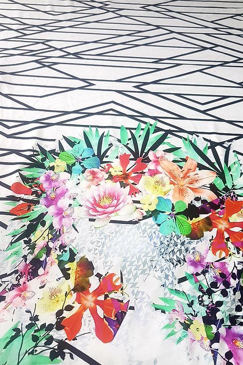 Жарсе бяло и черно сбордюр цветя