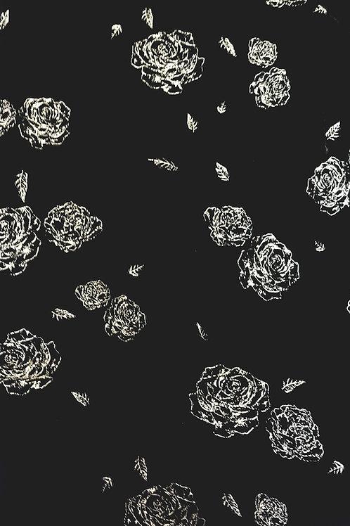 Копринено черно кадифе на златни рози Haute Couture