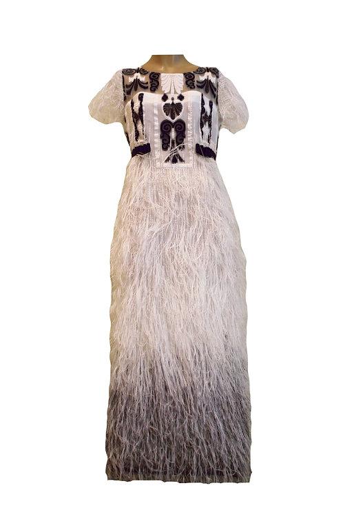 Рокля от Органза в бяло с ресни