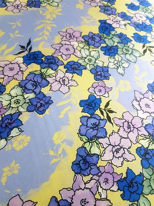 Бледо-лилав Шифон на Цветя