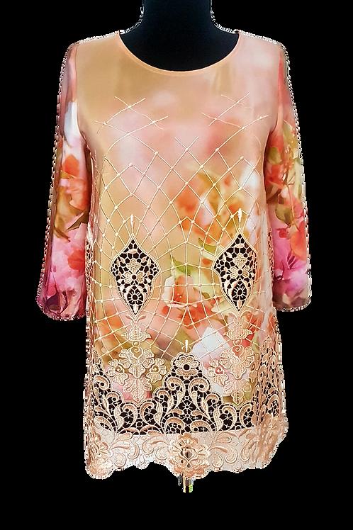 Блуза от естествена коприна с дантела