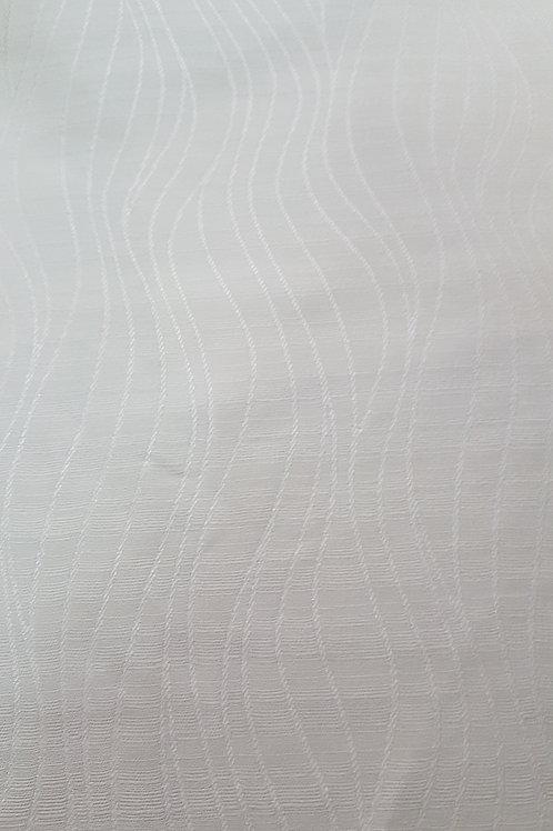 Бяла коприна със сатенени елементи