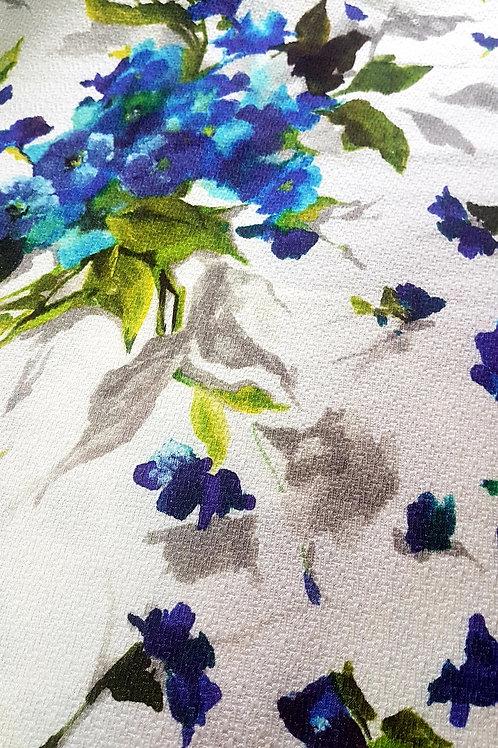 Жакард в бяло на лилави цветя
