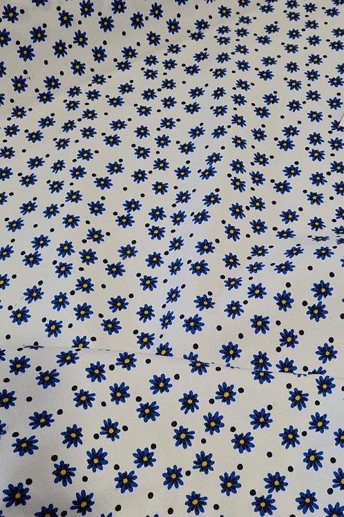 Памук ластичен бял на сини цветя