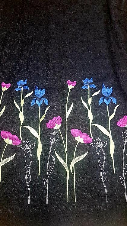 Черна Дантела с бордюр от цветя