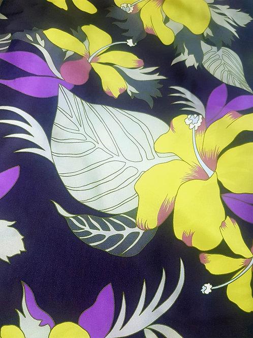 Тъмно синя коприна на Жълти цветя