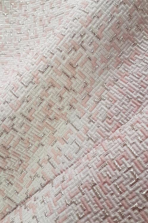 Жакард в бяло с ефекти в розово и сребро