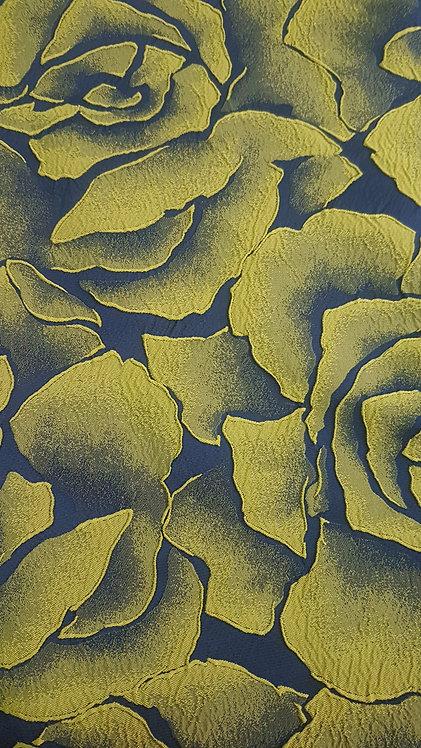Тмно синя тафта на жълто зелени цветя