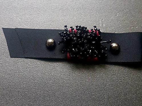 Черен декоративен елемент