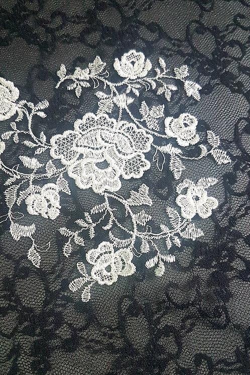 Черна Дантела на Бели цветя Haute Couture