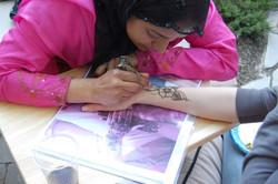 henna+artist++T.