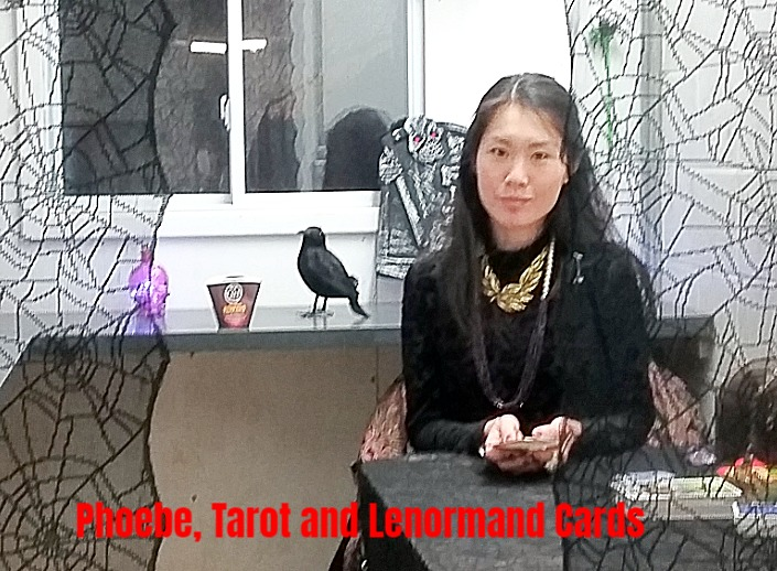 Tarot and Lenormand card reader