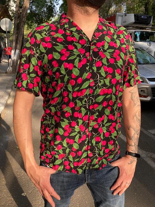 Camisa Caballero Cerezas negro/rosa.