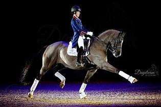 charlotte dujardin valegro farewell olympia retirement 2016 extended trot black background