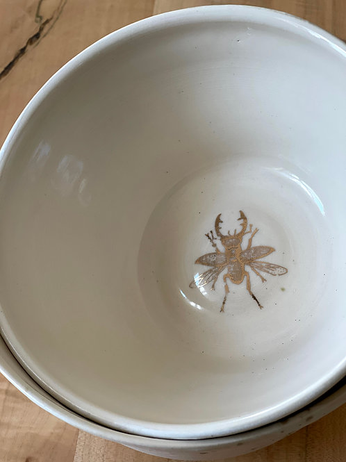 Spring bug bowl | server