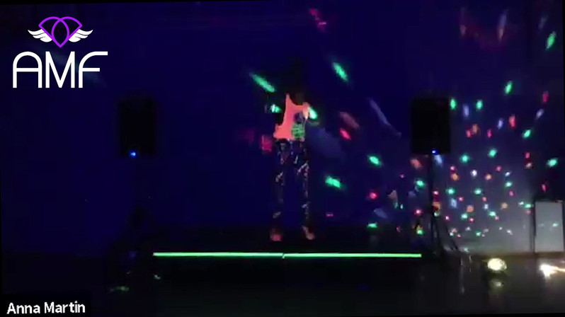 Lights On Clip Clubbercise .mp4