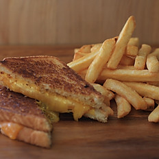 Grilled 3 Cheese Sandwich